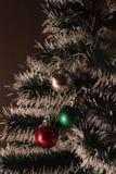Plan rapproché d'arbre de Noël décoré Image stock