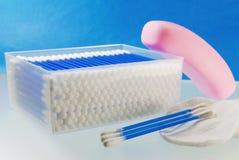 Plan rapproché d'articles d'hygiène de salles de bains d'un examen complet Photographie stock