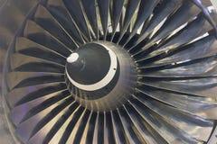 Plan rapproché d'avions de moteur à réaction de lames de turbine de turbines Image libre de droits