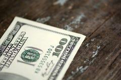 Plan rapproché d'billets de banque des 100 dollars Photo libre de droits