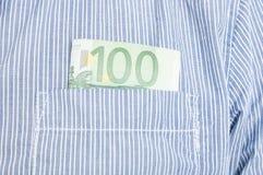 Plan rapproché d'euro billet de banque dans la poche avant Photographie stock libre de droits
