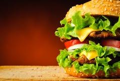 Plan rapproché d'hamburger Images stock