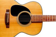 Plan rapproché d'isolement en bois de guitare acoustique Photos libres de droits