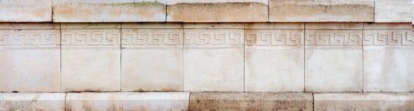 Plan rapproché d'ornement architectural sur le mur en pierre images stock