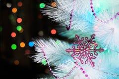 Plan rapproché d'un arbre de Noël décoré Photo stock