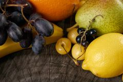 Plan rapproché d'un assortiment de fond juteux de fruits Photos stock