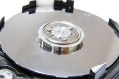 Plan rapproché d'un disque dur d'ordinateur Photos stock