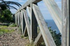 Plan rapproché d'une barrière en bois photo stock