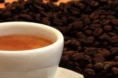 Plan rapproché d'une cuvette de café express Image stock