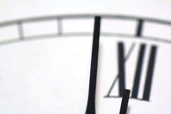 Plan rapproché d'une horloge photographie stock libre de droits
