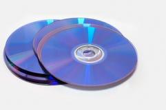 Plan rapproché d'une pile de disques compacts-ROM photo stock
