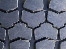 Plan rapproché de bande de roulement tous terrains de pneu de véhicule Photos stock