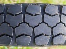 Plan rapproché de bande de roulement tous terrains de pneu de véhicule Photo stock