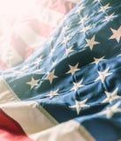 Plan rapproché de bannière étoilée de drapeau américain Photos stock