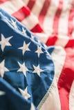 Plan rapproché de bannière étoilée de drapeau américain Images libres de droits
