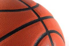 Plan rapproché de basket-ball d'isolement en fonction Photographie stock libre de droits