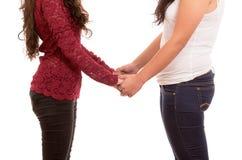 Plan rapproché de beaux couples lesbiens dans l'amour Images stock