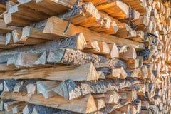 Plan rapproché de bois empilé photos libres de droits