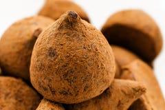 Plan rapproché de bonbons au chocolat à truffe Image stock