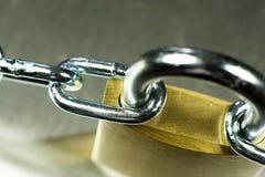 Plan rapproché de cadenas avec le réseau Images libres de droits