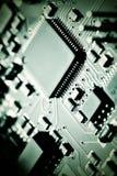 Plan rapproché de carte électronique avec des composants Images libres de droits