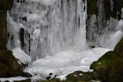 Plan rapproché de cascade glacée à Kassel, Allemagne Photographie stock