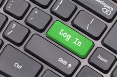 Plan rapproché de clavier d'ordinateur avec le texte d'identifiez-vous image libre de droits
