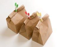 Plan rapproché de composition en sacs en papier photo stock
