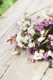 Plan rapproché de composition sèche de fleurs Image libre de droits