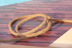 Plan rapproché de corde utilisé pour remorquer des plongeurs de perle Photos stock