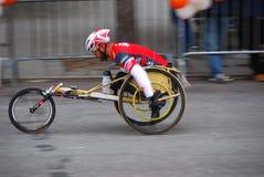 Plan rapproché de coureur de fauteuil roulant de marathon de 2014 NYC Image stock