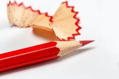 Plan rapproché de crayon affilé par rouge image libre de droits