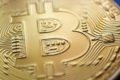 Plan rapproché de devise de pièce de monnaie de monet de Bitcoin Images stock