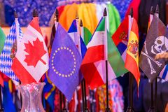 Plan rapproché de drapeaux de pays photo libre de droits