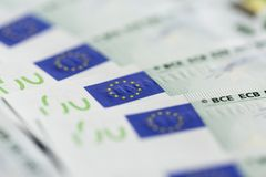 Plan rapproché de 100 euro billets de banque Photos stock