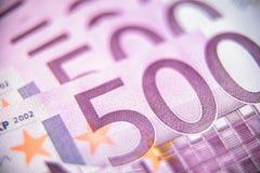 plan rapproché de 500 euro billets de banque d'argent photos libres de droits
