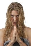 Plan rapproché de femme blonde dans la station thermale, détendant Photos stock