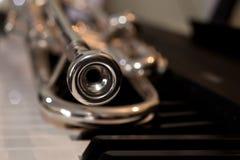 Plan rapproché de fragment de trompette photographie stock libre de droits