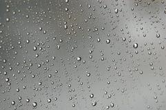 Plan rapproché de gouttelettes d'eau photos stock
