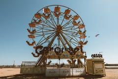 Plan rapproché de la roue des ferris sur la côte occidentale de la Toscane à Livourne photo libre de droits