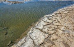 Plan rapproché de lagune de saumure images libres de droits