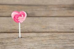 Plan rapproché de lucette en forme de coeur rose Photographie stock