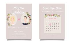 Plan rapproché de marié blond de jeune mariée et de châtaigne sur l'invitatio de mariage photos libres de droits