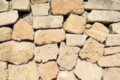 Plan rapproché de mur de pierres sèches Images stock