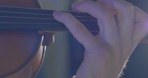 Plan rapproché de musicien jouant le violon clips vidéos