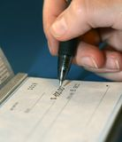 Plan rapproché de personnalisation de chèques images stock