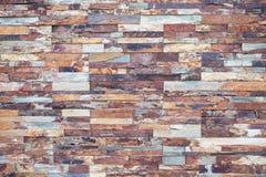 Plan rapproché de pierre rouillée Placage en pierre pour le décor de mur extérieur photo libre de droits