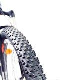 Plan rapproché de pneu de roue de vélo de montagne Photographie stock libre de droits