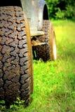 Plan rapproché de pneu de SUV Image libre de droits