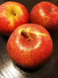 Plan rapproché de pomme rouge Photographie stock libre de droits